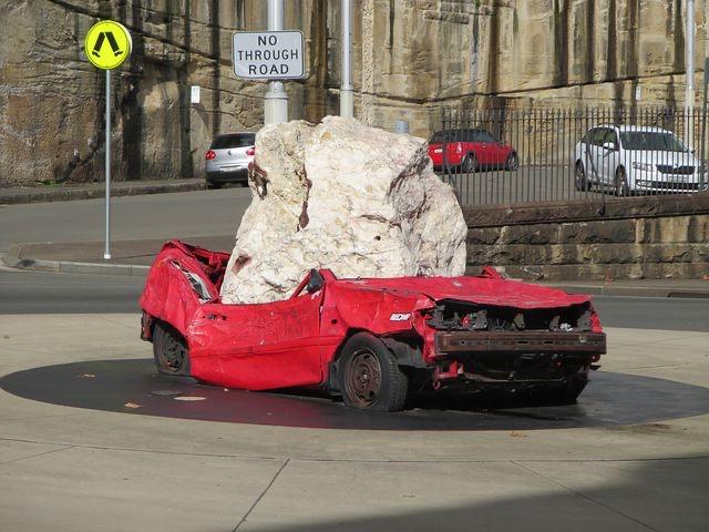 Schäden durch Sturm, Hagel und Co. am Auto